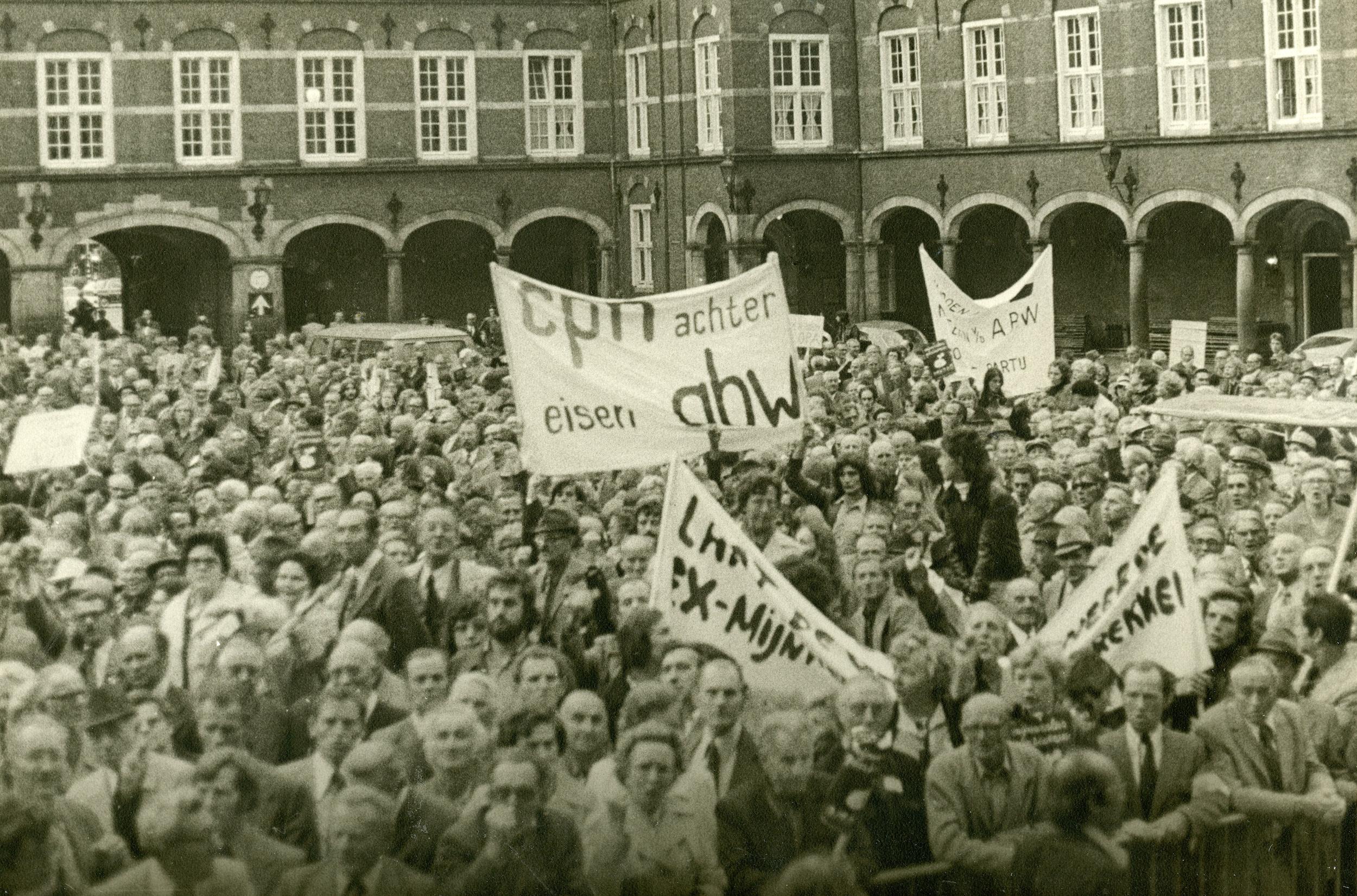 Mijnwerkers trokken in 1975 massaal naar Den Haag voor betere pensioenen